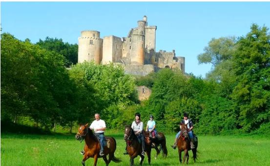 Visiter la Dordogne et le Quercy à cheval